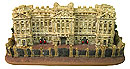 Buckingham Palace Miniature Replica, 4 L