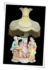 Capodimonte lamp and shade with trio musicians figurine