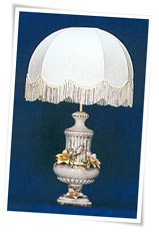 Capodimonte lamp and shade with column and classic capodimonte flowers